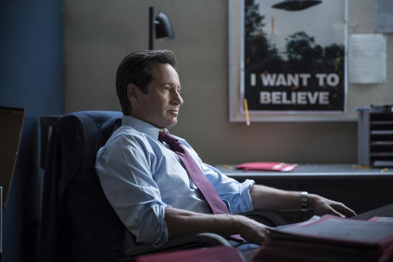 Seine neusten Erkenntnisse lassen Mulder (David Duchovny) an all dem zweifeln, was er bisher herausgefunden hat ... © 2016 Fox