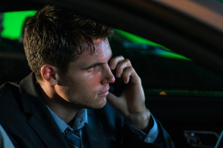 Selbst, wenn Agent Miller (Robbie Amell) Mulder ausfindig machen kann, gelingt es ihm auch, ihn rechtzeitig zu Scully zu bringen, bevor die Krankheit in umbringt? © 2016 Fox