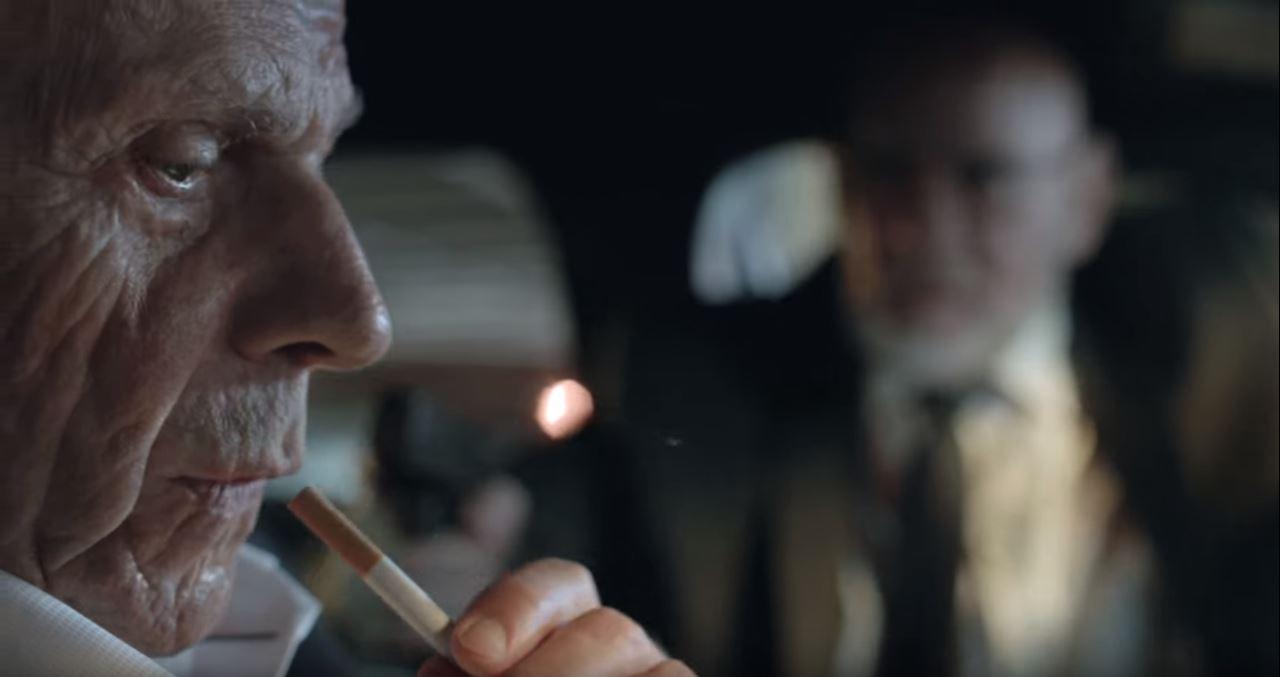 Der mysteriöse Raucher und im Hintergrund FBI-Direktor Skinner Foto: © Twentieth Century Fox Film Corporation. All Rights Reserved.