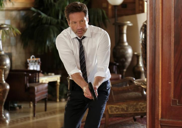 Auf Anraten von Scully und ihren Visionen macht sich Mulder (David Duchovny) auf die Jagd nach dem Krebskandidaten und trifft schließlich auf weitere Spieler im Spiel ums Schicksal der Menschheit ... © 2017 Fox and its related entities. All rights reserved.