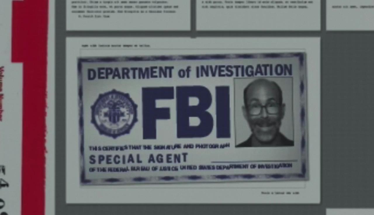 """Der Ausweis von Reggie im zweiten Vorspann der Akte-X-Episode """"Der Mandela-Effekt"""" © 2018 Fox and its related entities. All rights reserved."""
