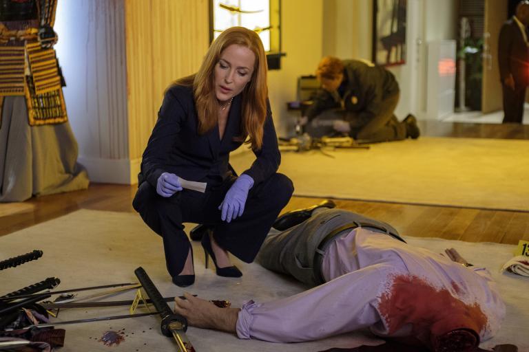 Noch ahnt Scully (Gillian Anderson) nicht, warum sich immer mehr Menschen scheinbar grundlos selber umbringen ... © 2017 Fox and its related entities. All rights reserved. / Shane Harvey