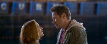 Machen sich auf die Suche nach ihrem, sich auf der Flucht befindenden, Sohn: Scully (Gillian Anderson, l.) und Mulder (David Duchovny, r.) ... © 2018 Fox and its related entities. All rights reserved. / Shane Harvey
