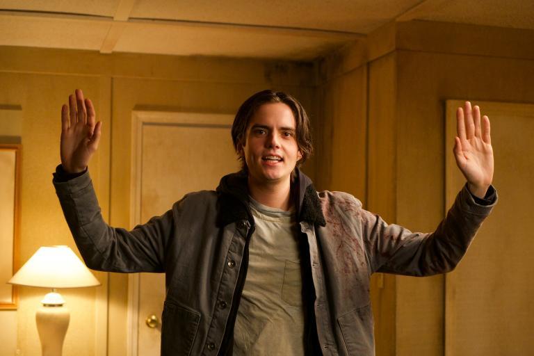 Ist es bereits zu spät, als Jackson (Miles Robbins) erkennt, dass er die Schlüsselfigur in einem skrupellosen Plan ist?