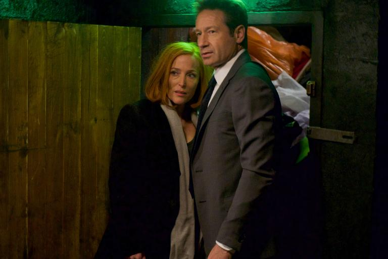 Beschäftigen sich nicht nur mit einem neuen Fall, sondern auch mit ihrer Beziehung zueinander und ihrer Zukunft: Scully (Gillian Anderson, l.) und Mulder (David Duchovny, r.) ... © 2018 Fox and its related entities. All rights reserved. / Shane Harvey