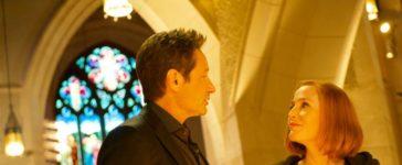 Nachdem eine illegale Organentnahme tödlich endet, beginnen Mulder (David Duchovny, l.) und Scully (Gillian Anderson, r.) mit den Ermittlungen und stoßen schließlich auf einen seltsamen Kult, der makabre Rituale vollführt ... © 2018 Fox and its related entities. All rights reserved. / Shane Harvey