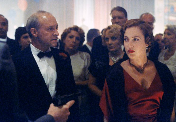 Dana Scully (Gillian Anderson) in den 1930-ern. © 1998-1999 Twentieth Century Fox Film Corporation. All rights reserved.