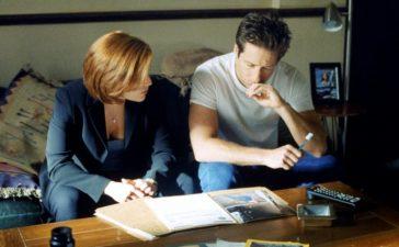 © 1998-1999 Twentieth Century Fox Film Corporation. All rights reserved. Dana Scully (Gillian Anderson, l.) und Fox Mulder (David Duchovny, r.) sind einem mysteriösen Serienmörder auf der Spur. Foto: © 1998-1999 Twentieth Century Fox Film Corporation. All rights reserved.