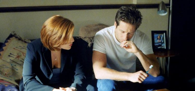 © 1998-1999 Twentieth Century Fox Film Corporation. All rights reserved. Dana Scully (Gillian Anderson, l.) und Fox Mulder (David Duchovny, r.) sind einem mysteriösen Serienmörder auf der Spur. Foto: © 1998-1999 Twentieth Century Fox Film Corporation. All rights reserved.