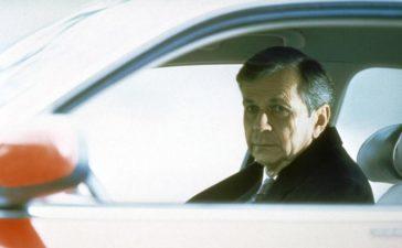 Mit einem Trick gelingt es dem angeblich sterbenskranken Raucher (William B. Davis), Scullys Vertrauen zu gewinnen. © TM + 2000 Twentieth Century Fox Film Corporation. All Rights Reserved.